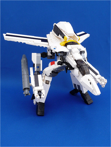 LEGO VF-1S Skull Leader Valkyrie Gerwalk Mode